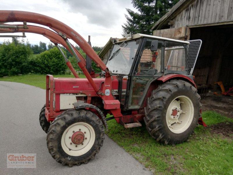 Traktor des Typs Case IH 733 A + Frontlader, Gebrauchtmaschine in Wallersdorf (Bild 1)