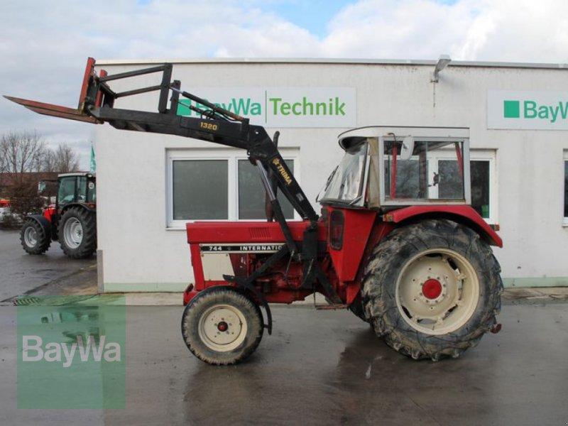 Traktor des Typs Case IH 744 S, Gebrauchtmaschine in Straubing (Bild 1)