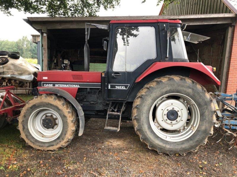 Traktor des Typs Case IH 745 XL, Gebrauchtmaschine in Fürstenau (Bild 1)