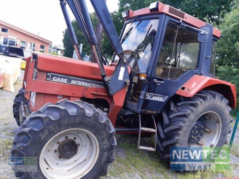 Traktor des Typs Case IH 844 XL, Gebrauchtmaschine in Heinbockel-Hagenah (Bild 1)