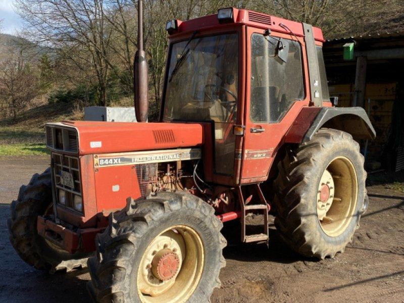 Traktor des Typs Case IH 844 XL, Gebrauchtmaschine in Lösnich (Bild 1)