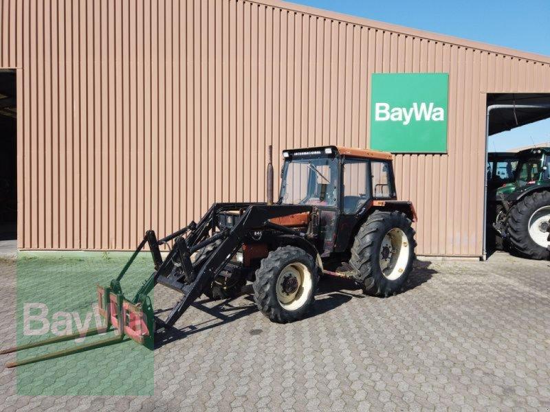 Traktor des Typs Case IH 844, Gebrauchtmaschine in Manching (Bild 1)