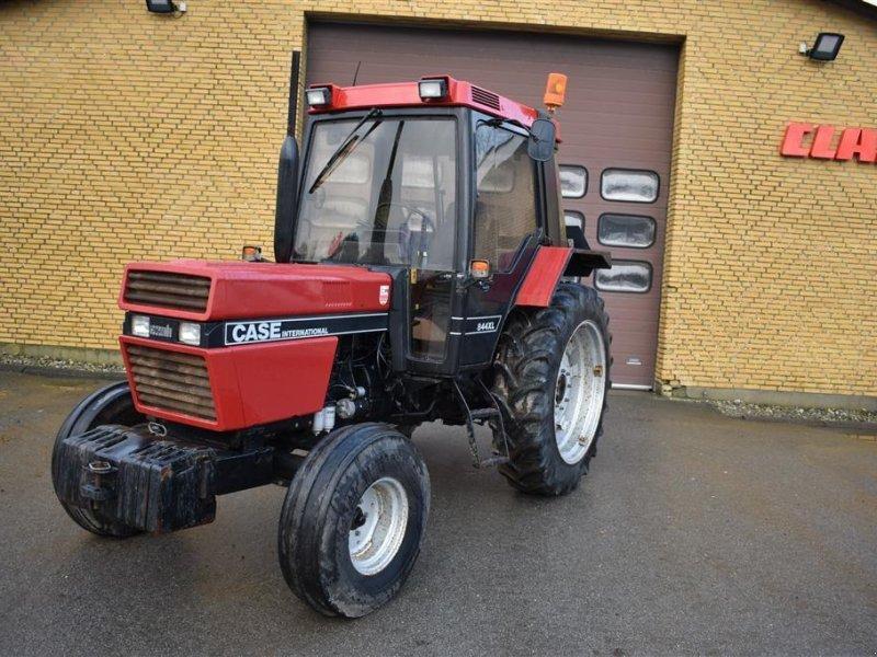 Traktor des Typs Case IH 844XL, Gebrauchtmaschine in Grindsted (Bild 1)