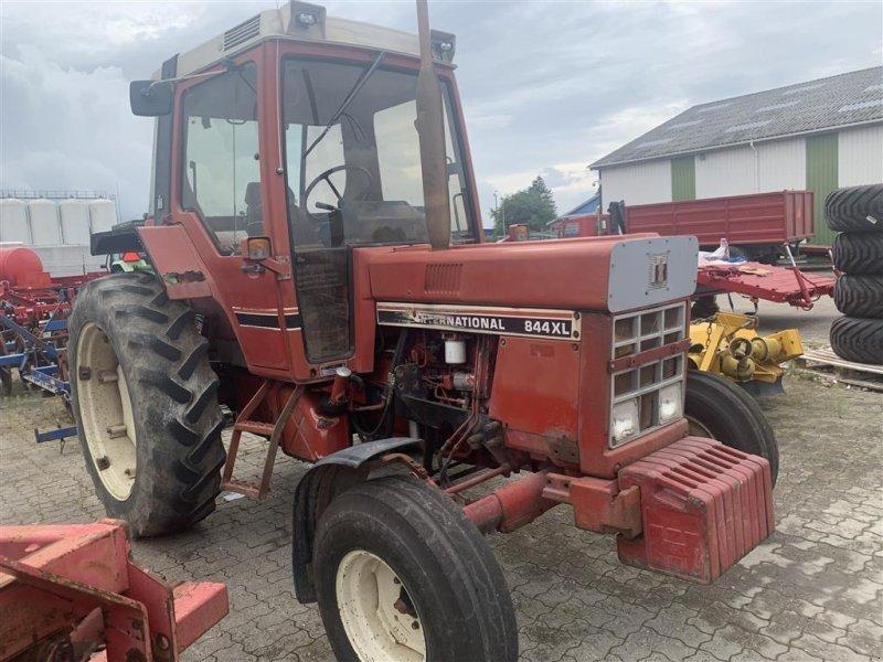 Traktor des Typs Case IH 844XL, Gebrauchtmaschine in Ringe (Bild 1)