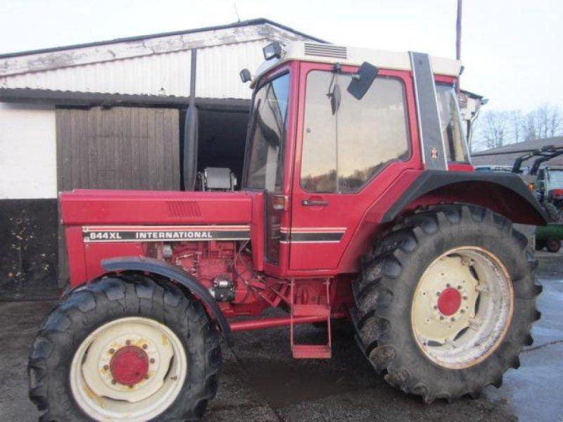 Traktor des Typs Case IH 844XL, Gebrauchtmaschine in Ziegenhagen (Bild 1)
