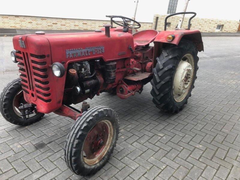 Traktor des Typs Case IH D-324, Gebrauchtmaschine in Gießen (Bild 1)