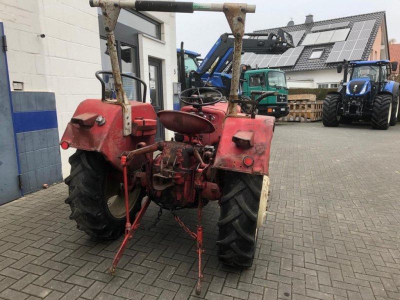 Traktor des Typs Case IH D-324, Gebrauchtmaschine in Gießen (Bild 3)