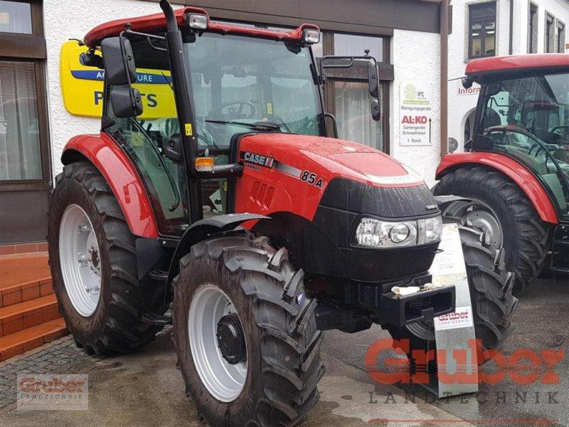 Traktor des Typs Case IH Farmall 85 A, Neumaschine in Ampfing (Bild 2)