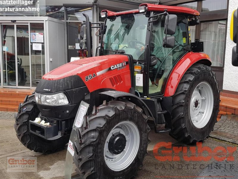 Traktor des Typs Case IH Farmall 85 A, Neumaschine in Ampfing (Bild 1)