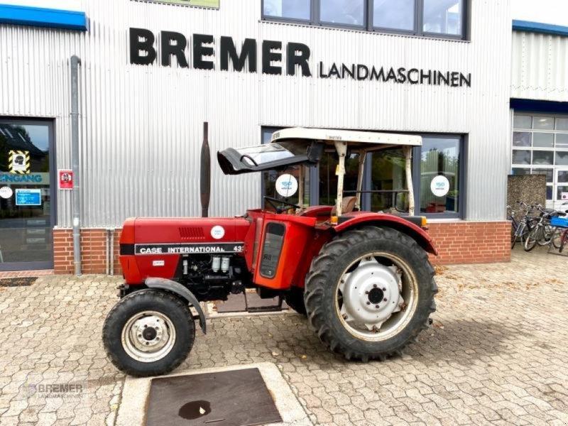 Traktor des Typs Case IH IHC 433 S  mit hydraulischer Lenkung und Verdeck aus NEUSSER Produktion, Gebrauchtmaschine in Asendorf (Bild 1)