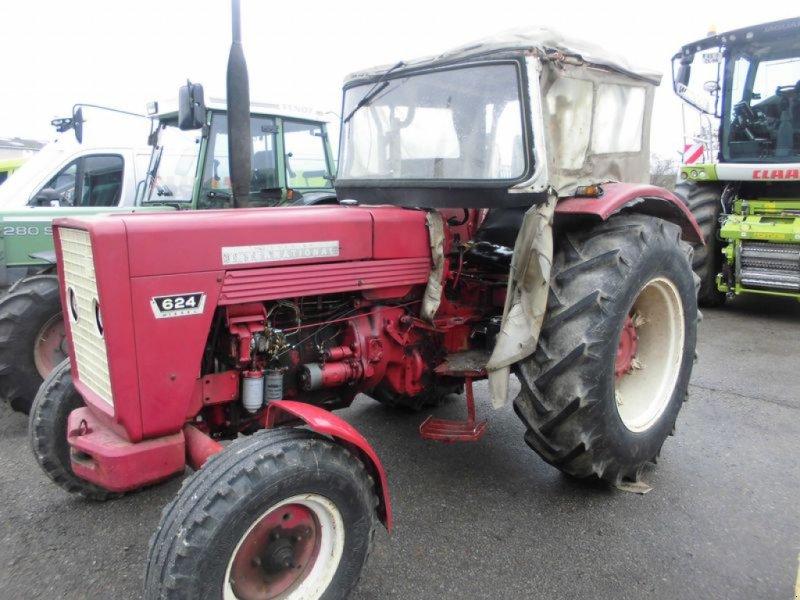 Traktor des Typs Case IH IHC 624, Gebrauchtmaschine in Cham (Bild 1)