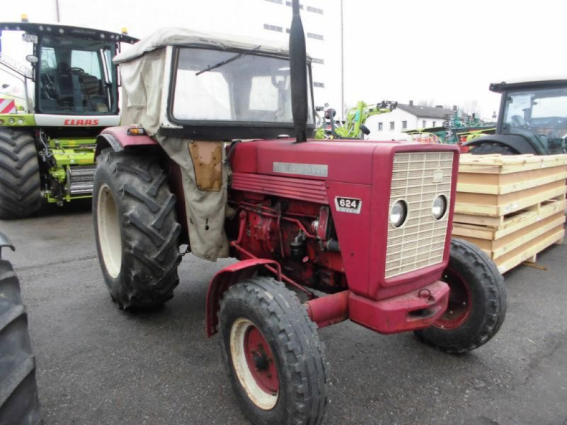 Traktor des Typs Case IH IHC 624, Gebrauchtmaschine in Cham (Bild 3)