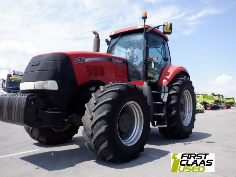 Poză Case IH Tractor CASE MAGNUM 335
