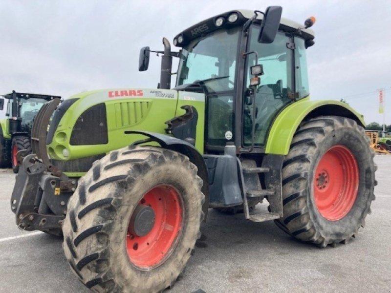 Traktor типа CLAAS ares 697 atz 4rm, Gebrauchtmaschine в PONTIVY (56 - MORBIHAN) (Фотография 1)