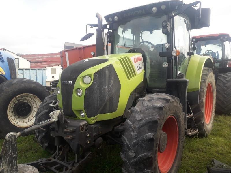 Traktor типа CLAAS ARION 520, Gebrauchtmaschine в Chauvoncourt (Фотография 1)