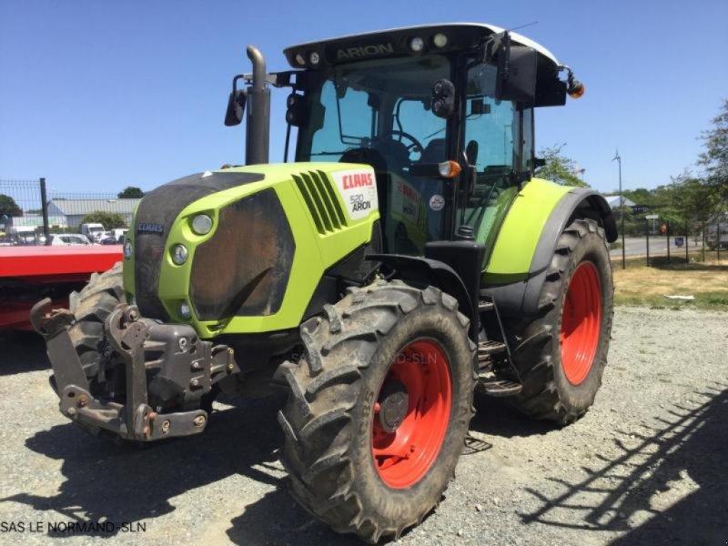 Traktor типа CLAAS ARION 520, Gebrauchtmaschine в LANDIVISIAU (Фотография 1)