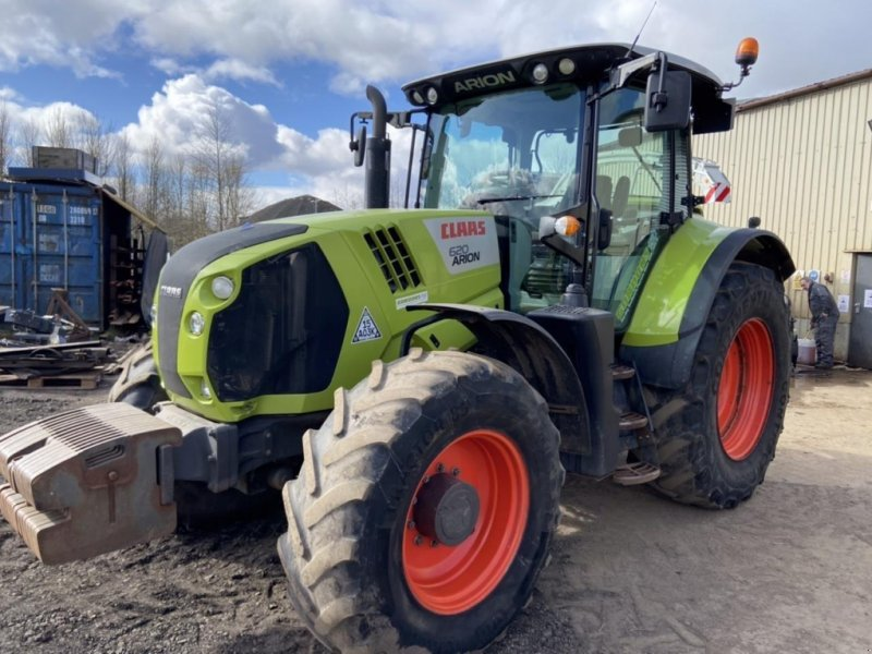 Traktor типа CLAAS ARION 620 stage III b, Gebrauchtmaschine в  (Фотография 1)