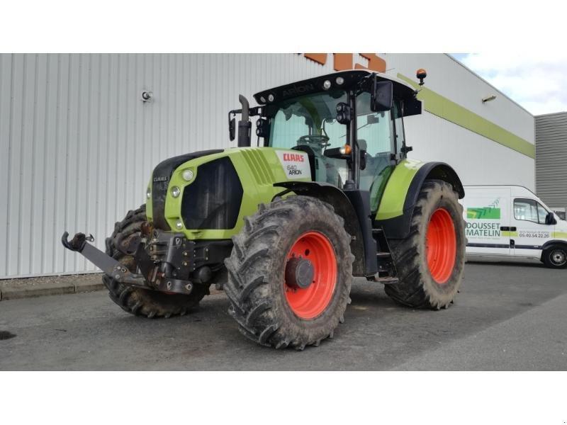 Traktor типа CLAAS ARION 640 CBS T4, Gebrauchtmaschine в NEUVILLE EN POITOU (Фотография 1)