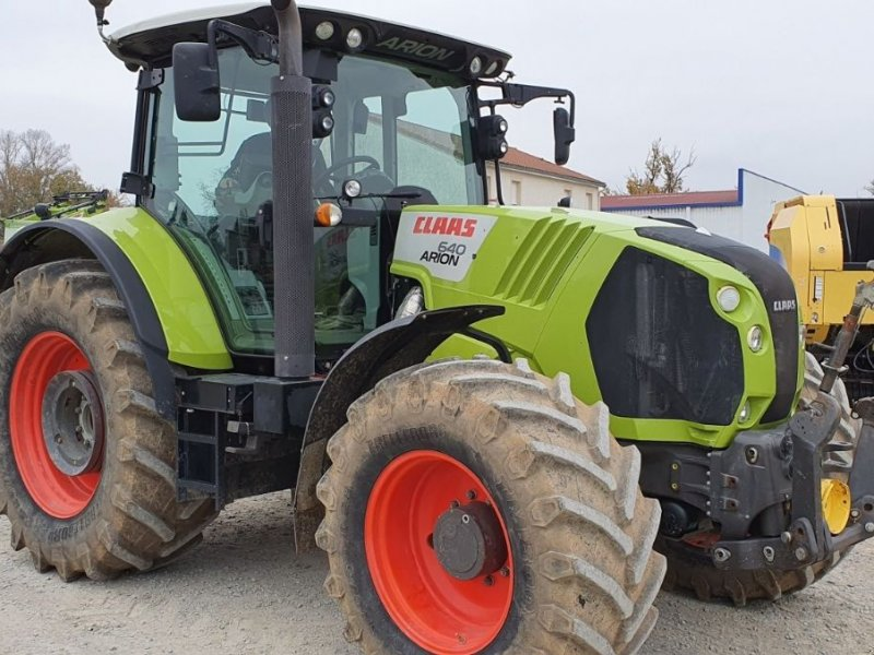 Traktor типа CLAAS ARION 640, Gebrauchtmaschine в CIVENS (Фотография 1)