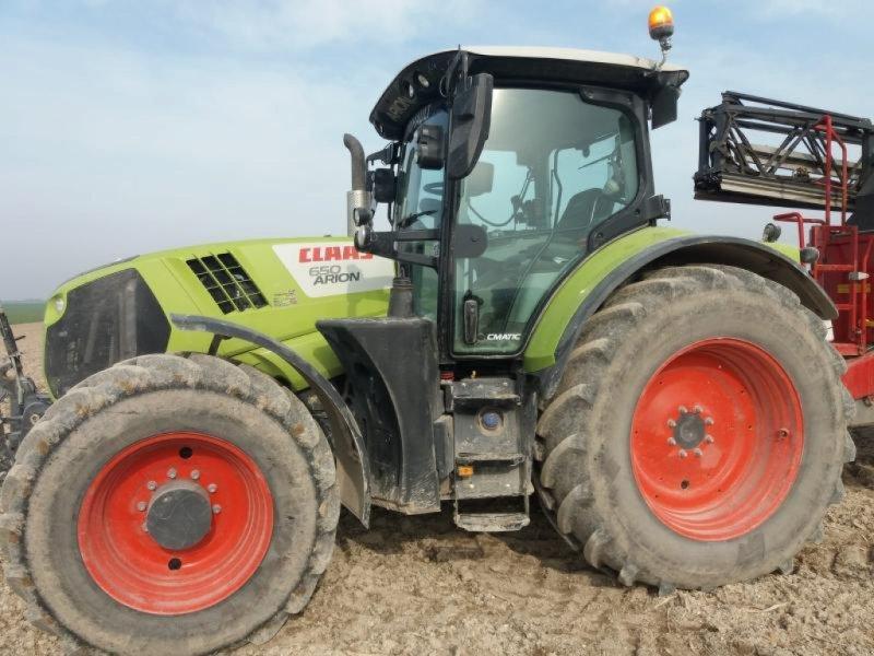 Traktor des Typs CLAAS ARION 650 CMATIC, Gebrauchtmaschine in Marolles (Bild 1)