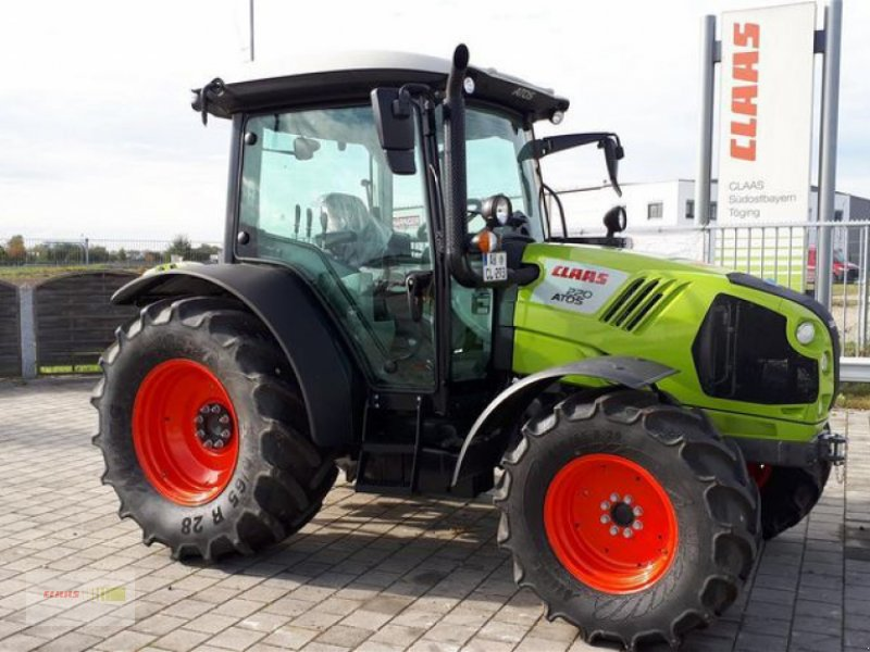 Traktor des Typs CLAAS ATOS 220 MR C, Vorführmaschine in Töging am Inn (Bild 1)