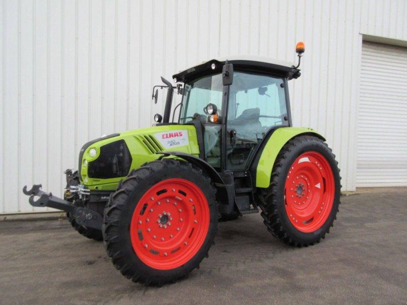 Traktor des Typs CLAAS ATOS 340 LEGUMIER, Gebrauchtmaschine in PLOUIGNEAU (Bild 1)