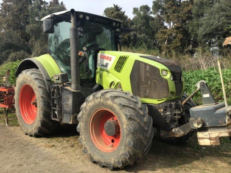 Traktor типа CLAAS AXION 810C, Gebrauchtmaschine в CASTETIS (Фотография 1)