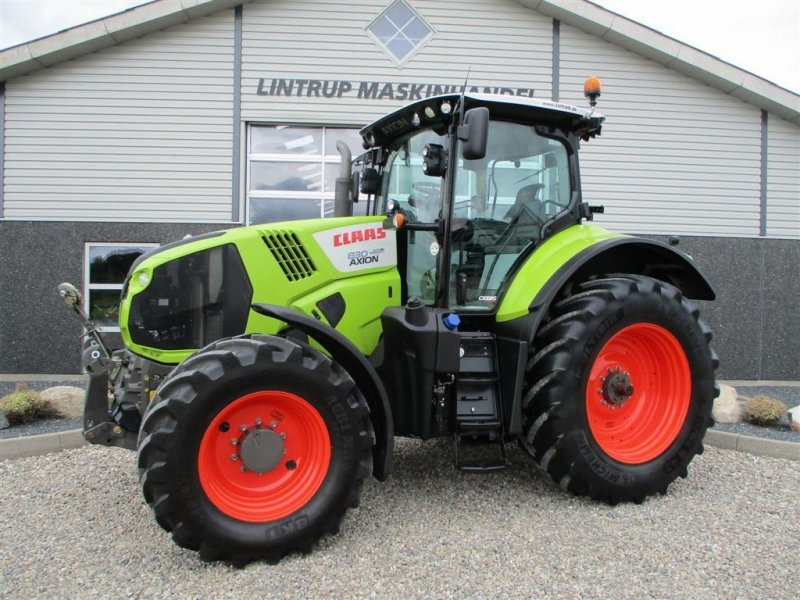 Traktor типа CLAAS AXION 830 CEBIS Meget velholdt traktor med frontlift, Gebrauchtmaschine в Lintrup (Фотография 1)