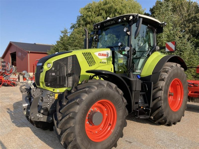Traktor типа CLAAS AXION 830 CMATIC Fokus model, topudstyret, Gebrauchtmaschine в Mern (Фотография 1)