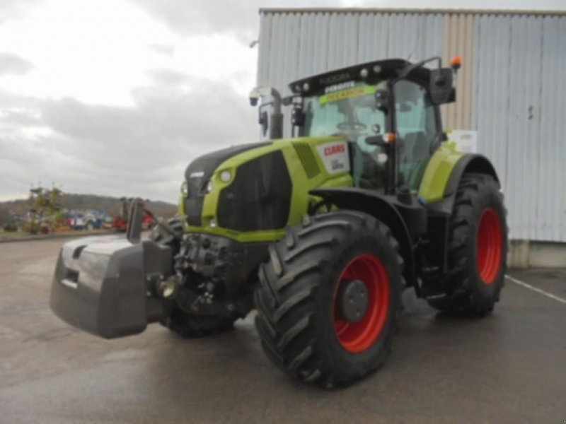 Traktor des Typs CLAAS axion 830 cmatic, Gebrauchtmaschine in SALEUX (Bild 1)