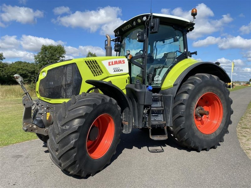 Traktor типа CLAAS AXION 850 CMATIC, Gebrauchtmaschine в Holstebro (Фотография 1)