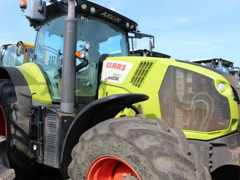 Traktor des Typs CLAAS Axion 850, Gebrauchtmaschine in Słomczyn (Bild 1)