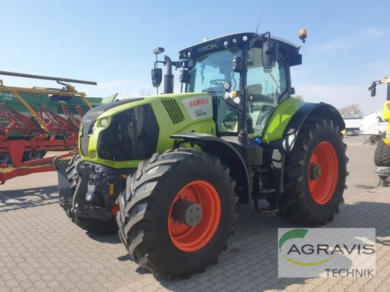 Traktor des Typs CLAAS AXION 870 CMATIC CEBIS, Gebrauchtmaschine in Calbe / Saale (Bild 1)