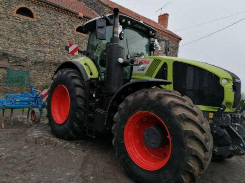 Traktor des Typs CLAAS AXION 930, Gebrauchtmaschine in MONFERRAN (Bild 1)