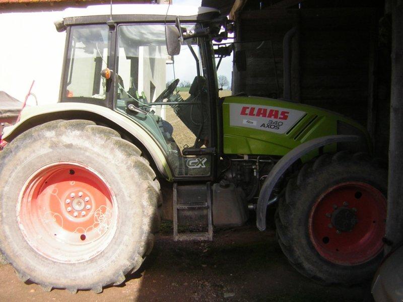 Traktor des Typs CLAAS AXOS 340 CABINE CX, Gebrauchtmaschine in Gannat (Bild 1)