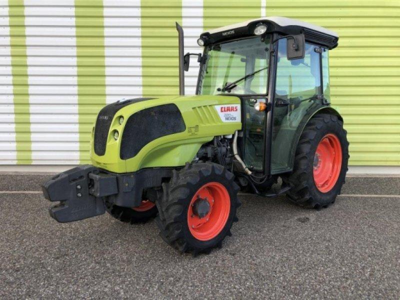 Traktor des Typs CLAAS claas, Gebrauchtmaschine in AILLAS (33 - GIRONDE) (Bild 1)