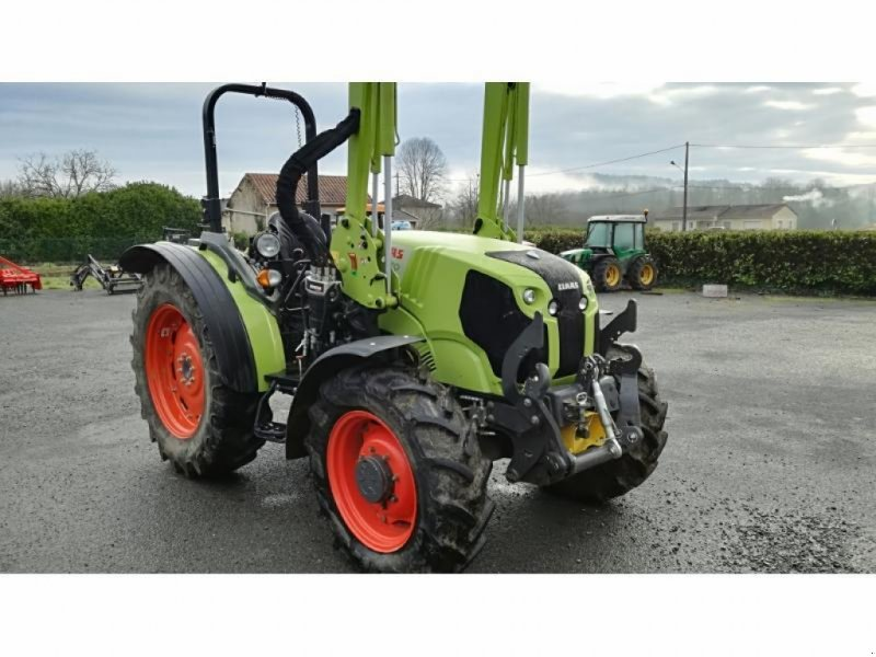 Traktor des Typs CLAAS ELIOS 240 T4I, Gebrauchtmaschine in MONTIGNAC (Bild 1)