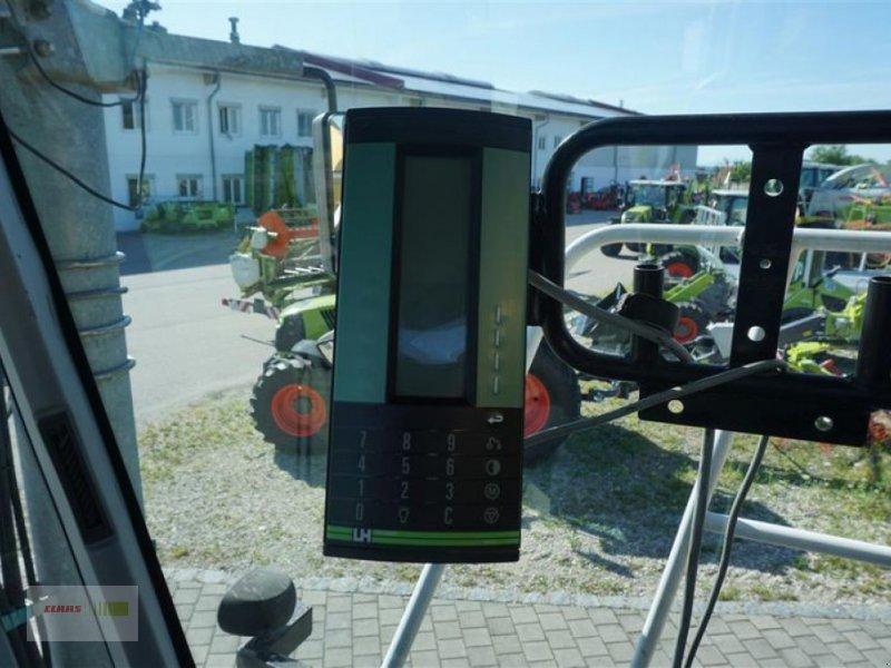 Traktor типа CLAAS XERION 3300 SADDLE TRAC, Gebrauchtmaschine в Moos / Langenisarhof (Фотография 5)