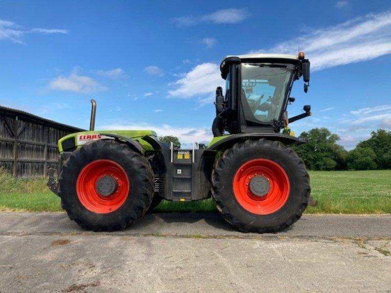 Traktor типа CLAAS Xerion 3800, Gebrauchtmaschine в Abersfeld (Фотография 1)