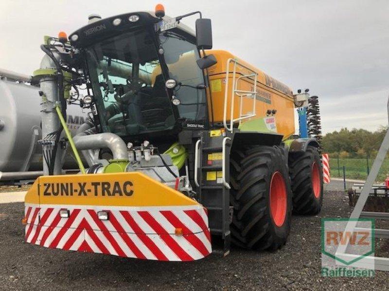 Traktor des Typs CLAAS Xerion 4000 Saddle Trac, Gebrauchtmaschine in Wipperfürth (Bild 6)