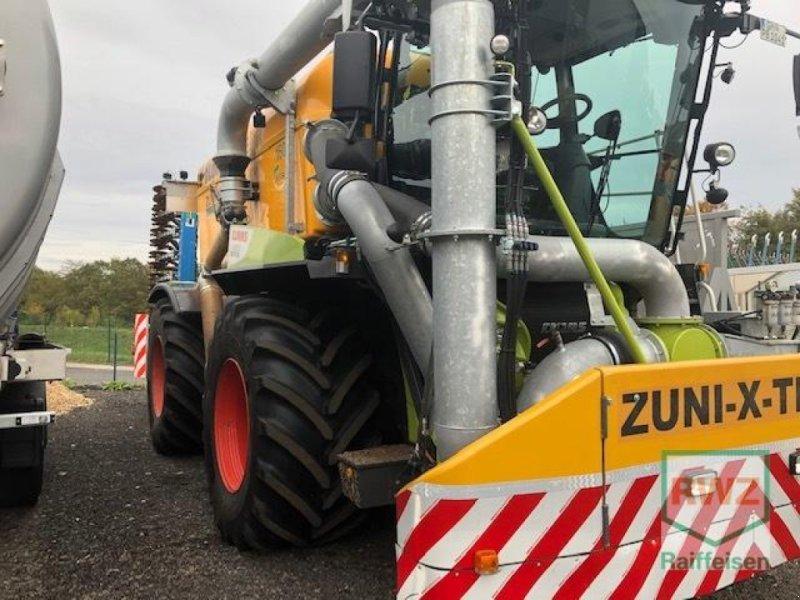 Traktor des Typs CLAAS Xerion 4000 Saddle Trac, Gebrauchtmaschine in Wipperfürth (Bild 3)