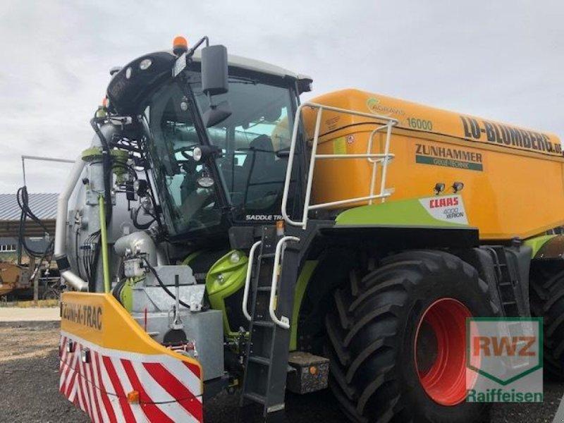 Traktor des Typs CLAAS Xerion 4000 Saddle Trac, Gebrauchtmaschine in Wipperfürth (Bild 10)