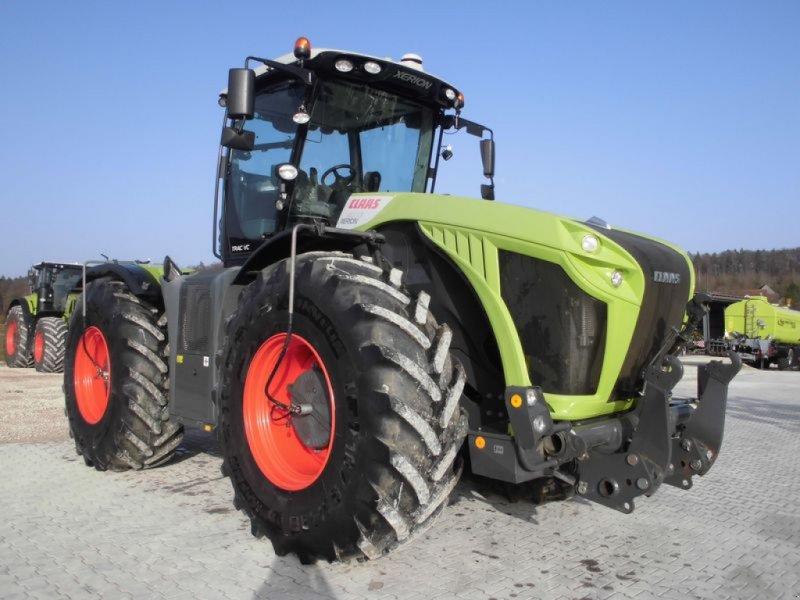 Traktor des Typs CLAAS XERION 4000 TRAC VC, Gebrauchtmaschine in Bad Abbach (Bild 1)