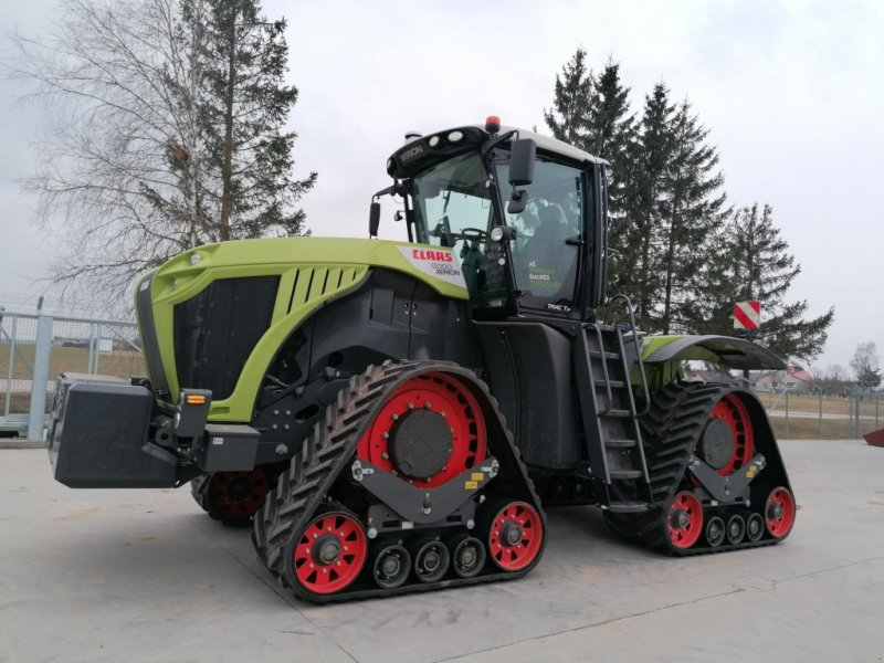 Traktor типа CLAAS Xerion 5000 Trac, Gebrauchtmaschine в Hamburg (Фотография 1)