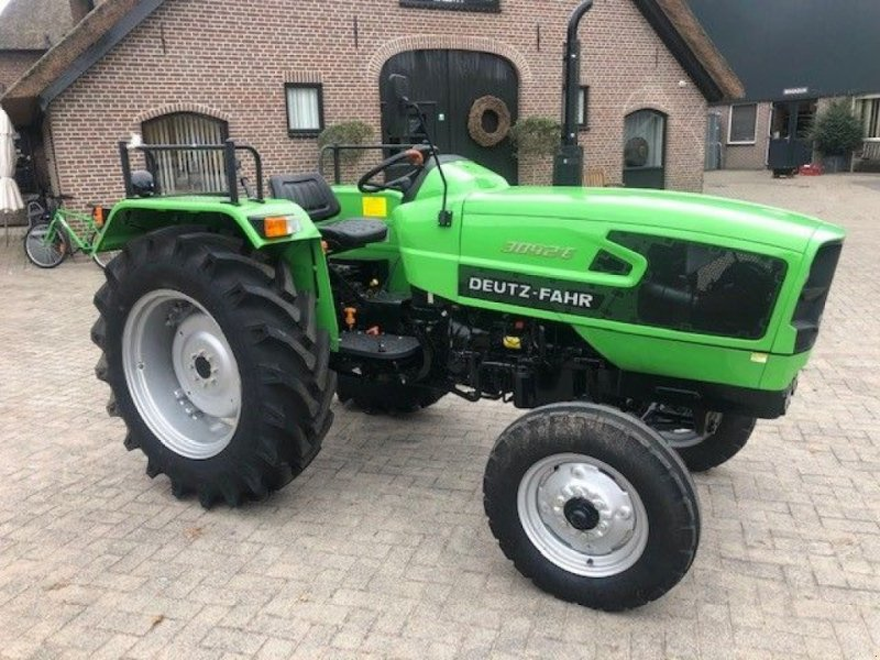 Traktor tipa Deutz-Fahr 3042E, Gebrauchtmaschine u Lunteren (Slika 1)