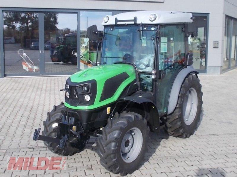 Traktor des Typs Deutz-Fahr 3060, Neumaschine in Elsteraue-Bornitz (Bild 1)