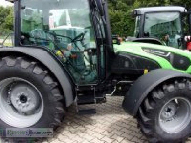 """Traktor des Typs Deutz-Fahr 5090.4 D GS """" Tageszulassung"""", Neumaschine in Nördlingen (Bild 1)"""