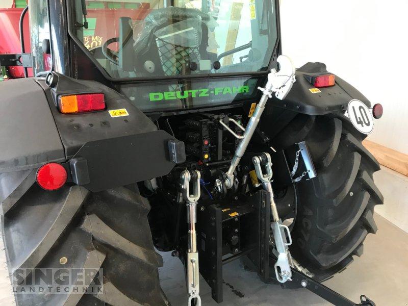 Traktor des Typs Deutz-Fahr 5090.4 D GS, Neumaschine in Ebenhofen (Bild 7)