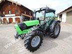 Traktor des Typs Deutz-Fahr 5090.4 D Neuwertig in Petting