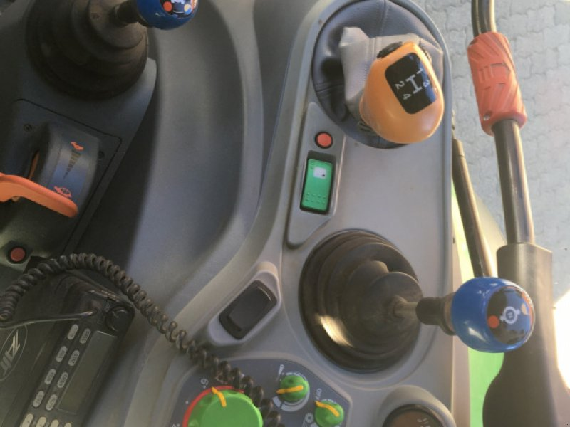 Traktor des Typs Deutz-Fahr Agrotron K 120, Gebrauchtmaschine in Sibbesse (Bild 2)